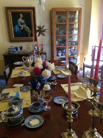 Joan Brown's Bed and Breakfast: a very cool breakfast table