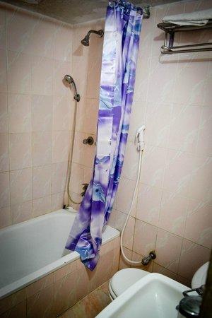 Hotel Pacific : VIP Suite Bathroom