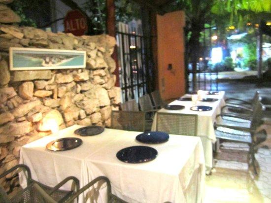 Byblos : Patio Seating