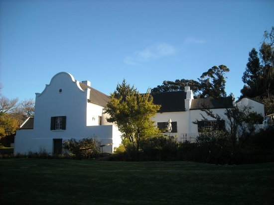 Wildekrans Country House: view of house from garden