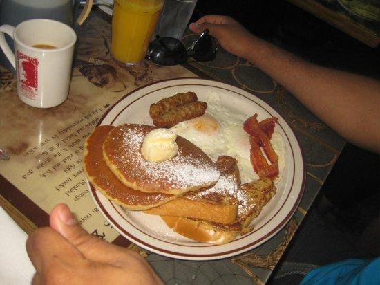 Pocahontas Pancake & Waffle  House: yumm