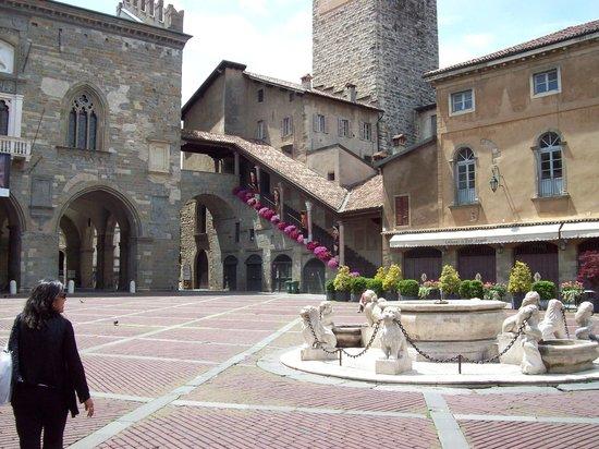 La Città Alta: Piazza Vecchia