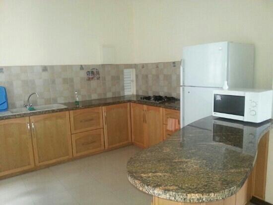 Jet Resort: kitchen