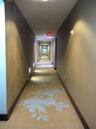 The Nines, a Luxury Collection Hotel, Portland: Corredor del Hotel, entre las habitaciones... Moderno y sofisticado diseño..