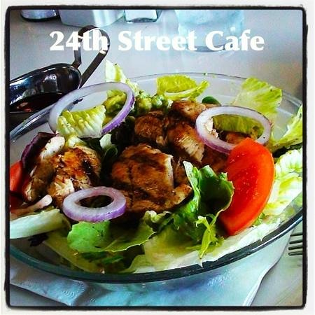 24th Street Cafe: Broiled Chicken Breast Salad is the Best ever!