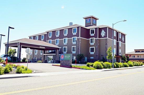 Red Lion Inn & Suites Kennewick: Red Lion Inn & Suites Hotel Kennewick WA