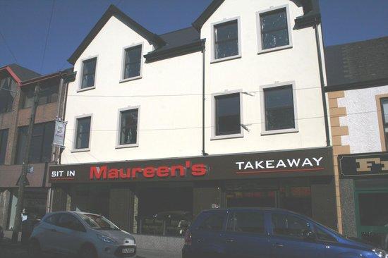 Maureens Fish & Burger Bar: The front of the Maureen's, Ballymena.