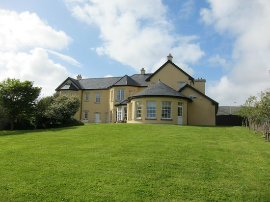 Emlagh Country House: Emlagh - rear