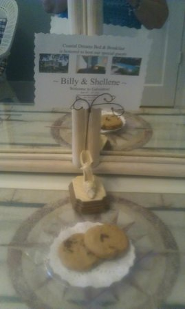 Coastal Dreams Bed & Breakfast: Our personalized greeting card and choc. chip cookies in our room