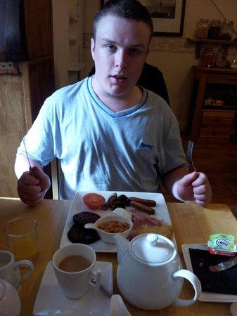 Brontes Guest House: Darwin's breakfast