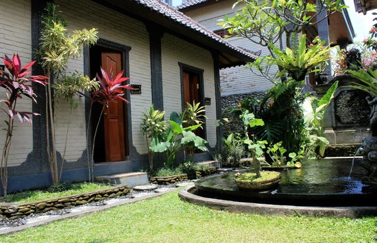 Bhisma Spa: out side