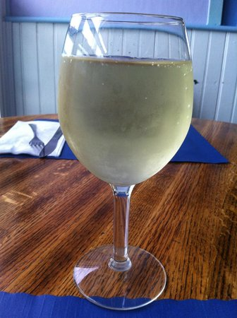 Humarock, MA: Nice cold glass of wine