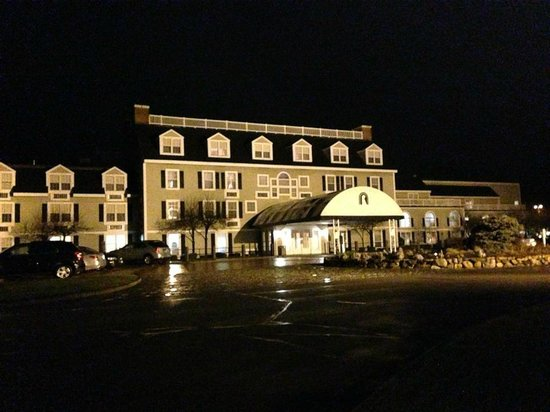 Westford Regency Inn: Hotel by night