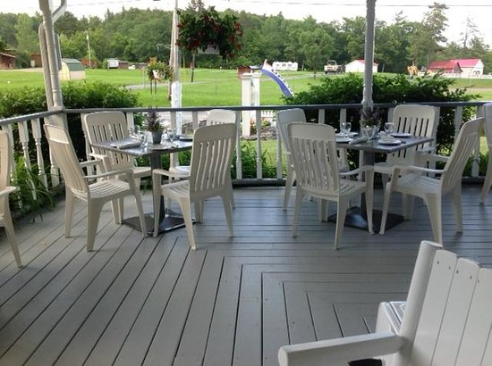 Westport Hotel: Porch