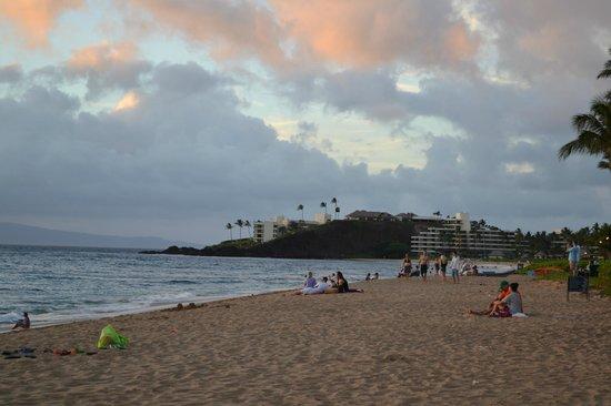 The Westin Maui Resort & Spa: Beach area outside of the hotel