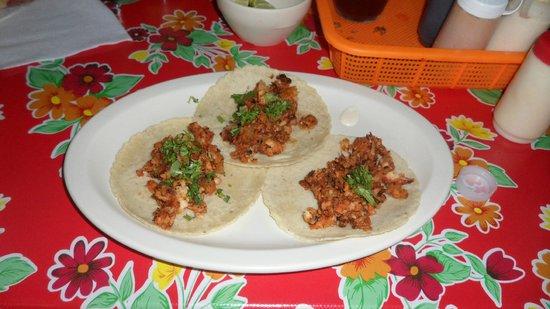 Santos Mariscos: Fish Tacos