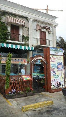 Santos Mariscos: front of restaurant