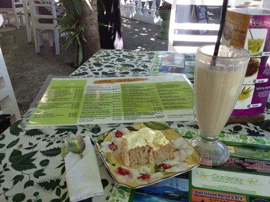 Gardenia Cafe: Half piece of cake and Iced Coffee