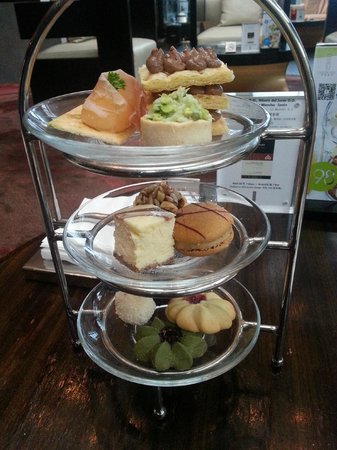 Parkyard Hotel Shanghai: Afternoon Tea snacks