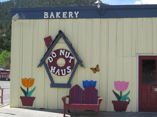 Donut Haus : Front of the Haus
