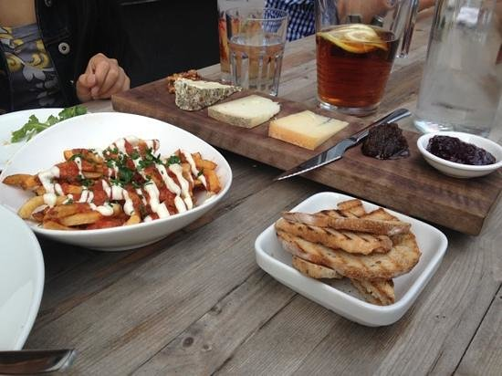 Marben Restaurant: Delicious take on patatas bravas: with fries instead of potatoes