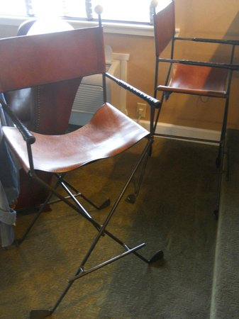 """Stoney Creek Hotel and Conference Center - Des Moines: Chair in """"Caddyshack"""" suite"""
