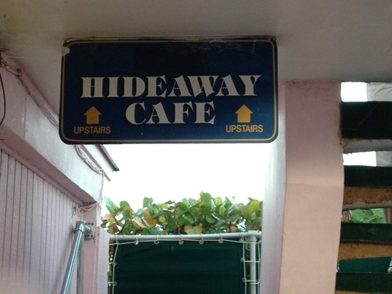 Hideaway Cafe: Walking up the Stairs