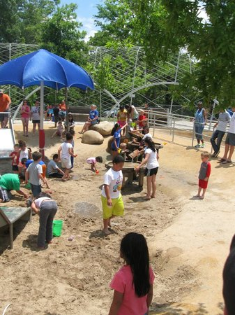 Shelby Farms Park: Sand and water play fun