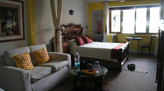 Casa de Las Bugambilias B&B: Girasoles room