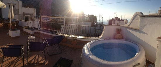 Guest House La Piazzetta: Capri Pool 01