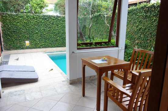 Kuta Lagoon Resort & Pool Villa: our pool area