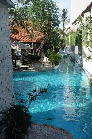 Kuta Lagoon Resort & Pool Villa: hotel pool area