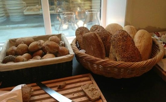 First Hotel Marin: Fresh bread available at breakfast