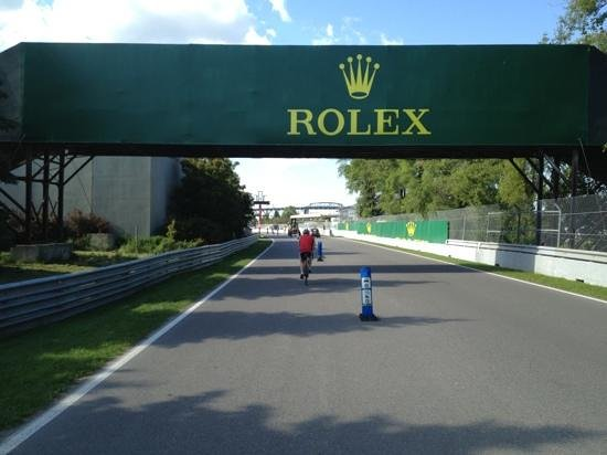 Circuit Gilles Villeneuve : Really nice place to visit if you like F1! It is much more interesting than we see on TV!