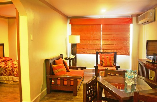 Holiday Park Hotel: Living Area