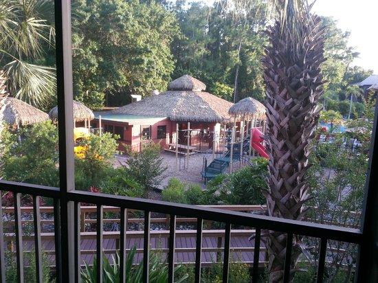 Parkway International Resort: Screened-in porch