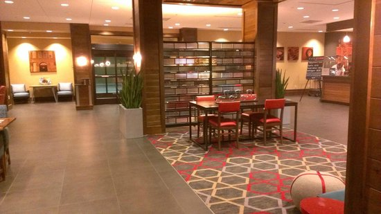 Four Points by Sheraton Nashville-Brentwood: space