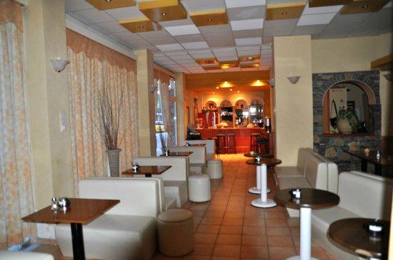 Hotel Marko : Кафе, место завтрака