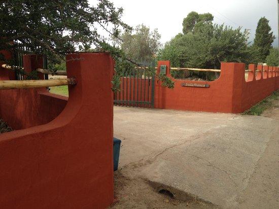 Bed and breakfast VillaFranca: Muro di ingresso