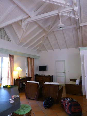 Hotel La Plantation: Tall-ceilinged main room in our 1 bedroom suite
