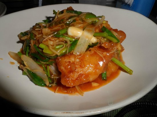 Thai Sweet Peppers : Pla Pad king - Fish with spring onion and vegetables