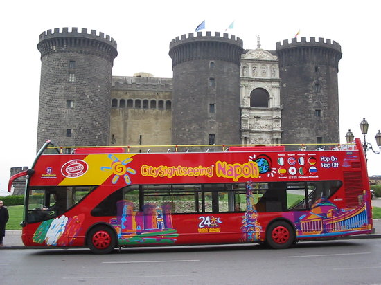 ‪City Sightseeing Napoli‬