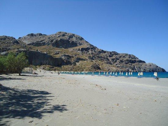 Paligremnos Apartments: Beach at Paligremnos end