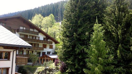 Silvretta Parkhotel Klosters: Blick vom Balkon