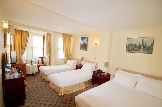 Historia Hotel: Standard Family Room