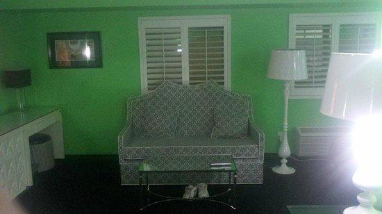 El Cortez Cabana Suites: Sitting area in Cabana Super Suite