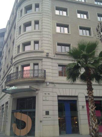 Sercotel Amister Art Hotel: hotel desde la calle