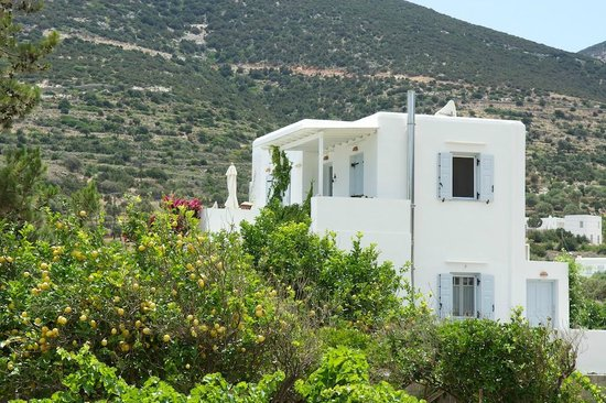 Gerani Sifnos Suites: Appollo is the entire first floor of the property
