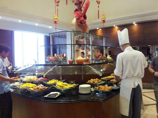 Sheraton Hanoi Hotel: breakfast at coffee house