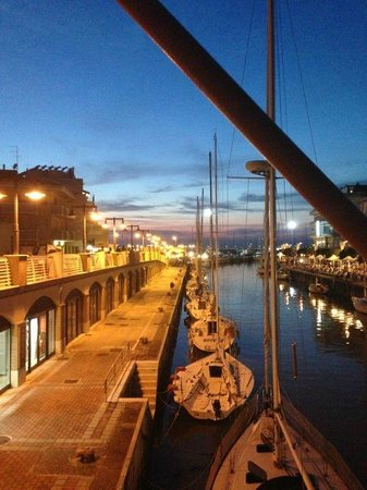 Hotel Resort Marinella : vista canale Gabicce